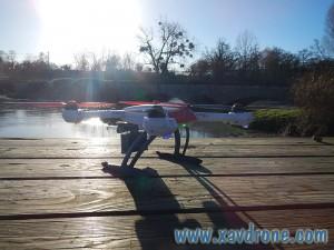 drone au dessus de la rivière
