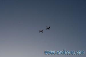 deux drones ensemble